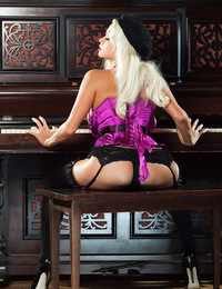 Nikita von James's gorgeous full naked breasts and ass swish and sway with the lively tunes and melodies the platinum blonde beauty is banging ou